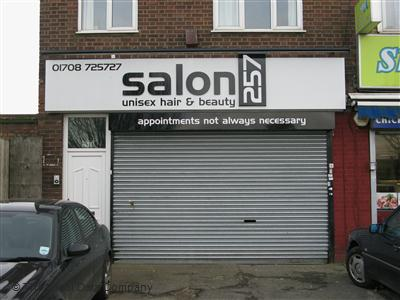 Salon  Romford